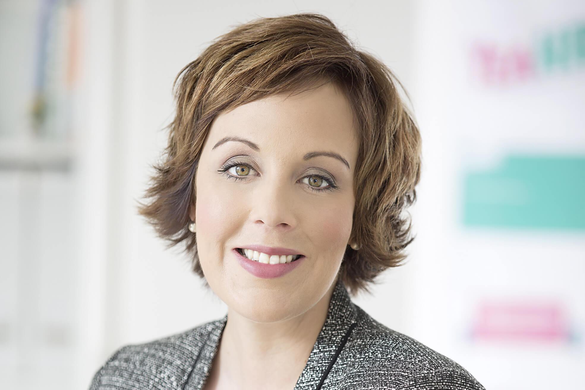 Kristen Herde    ist Gründerin und Geschäftsführerin von    YeaHR!   , das sich auf HR-Herausforderungen in der neuen digitalisierten Arbeitswelt spezialisiert hat.