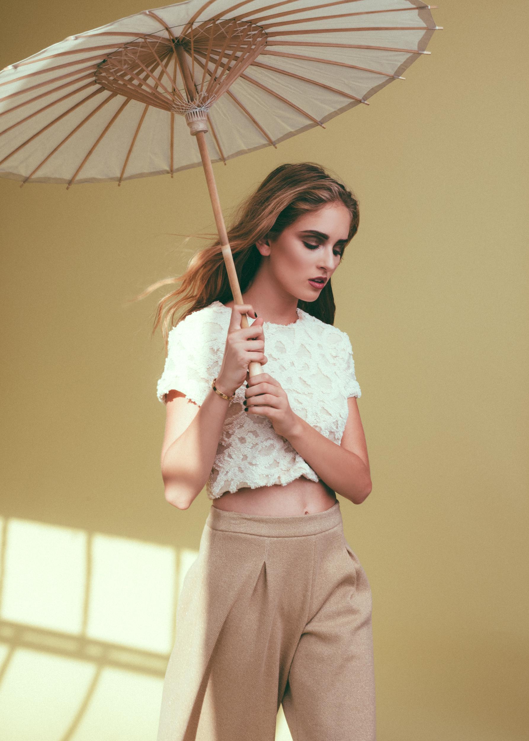 jessica-faulkner-gold-wide-leg-pants.jpg