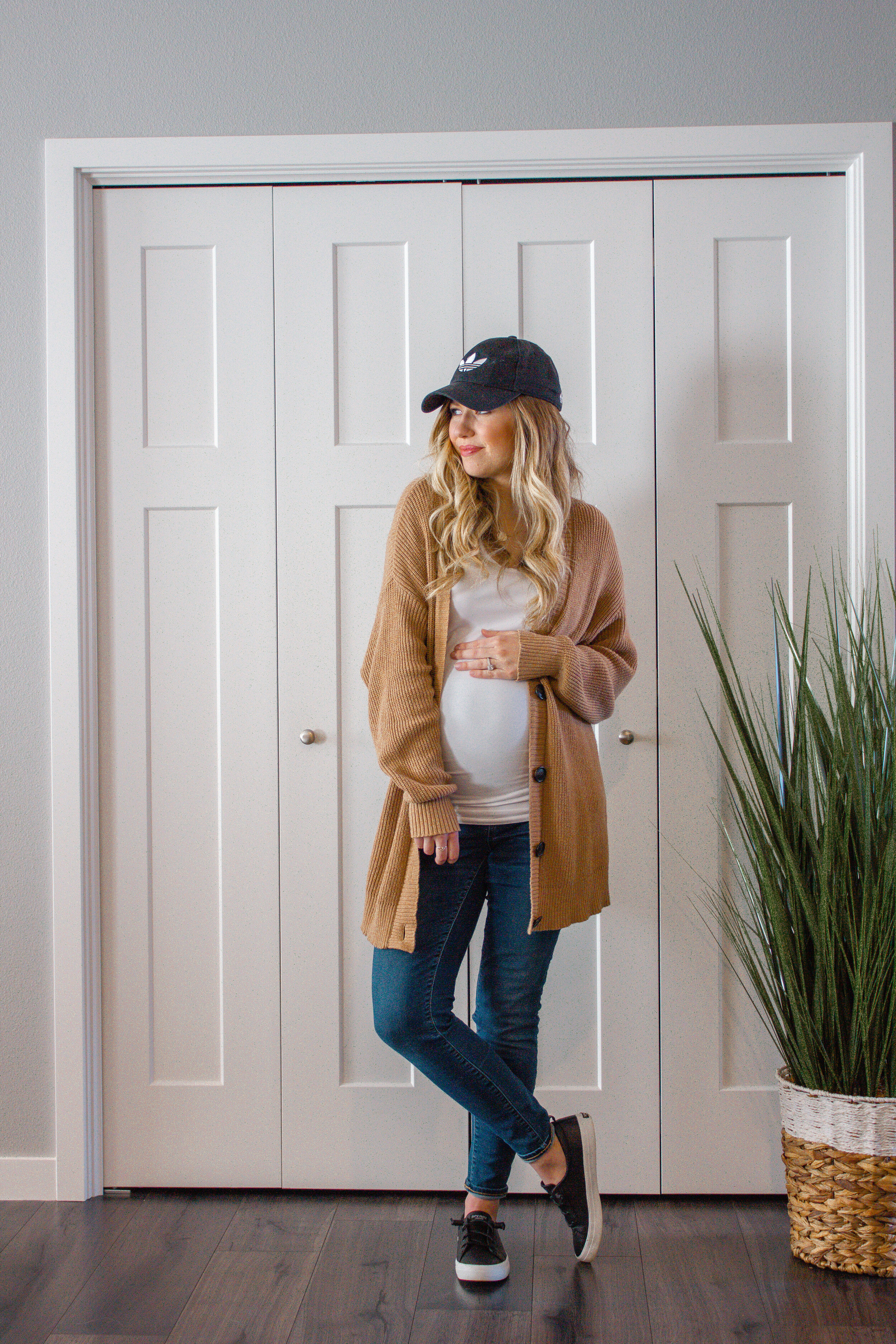Maternity Wardrobe On A Budget Shopping Guide Adrianna Bohrer