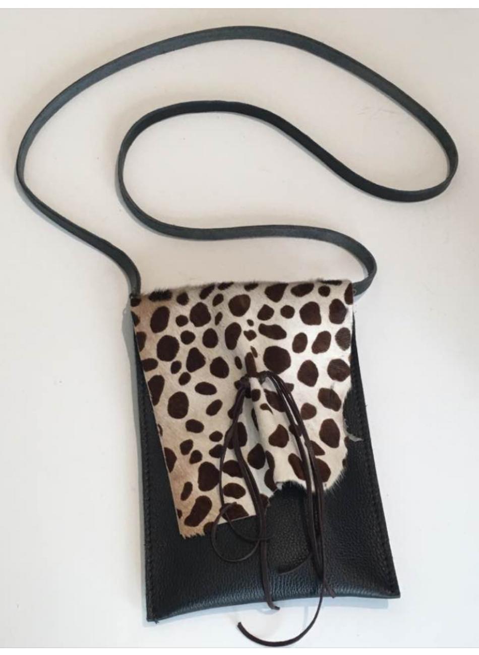 cheeta purse.jpeg