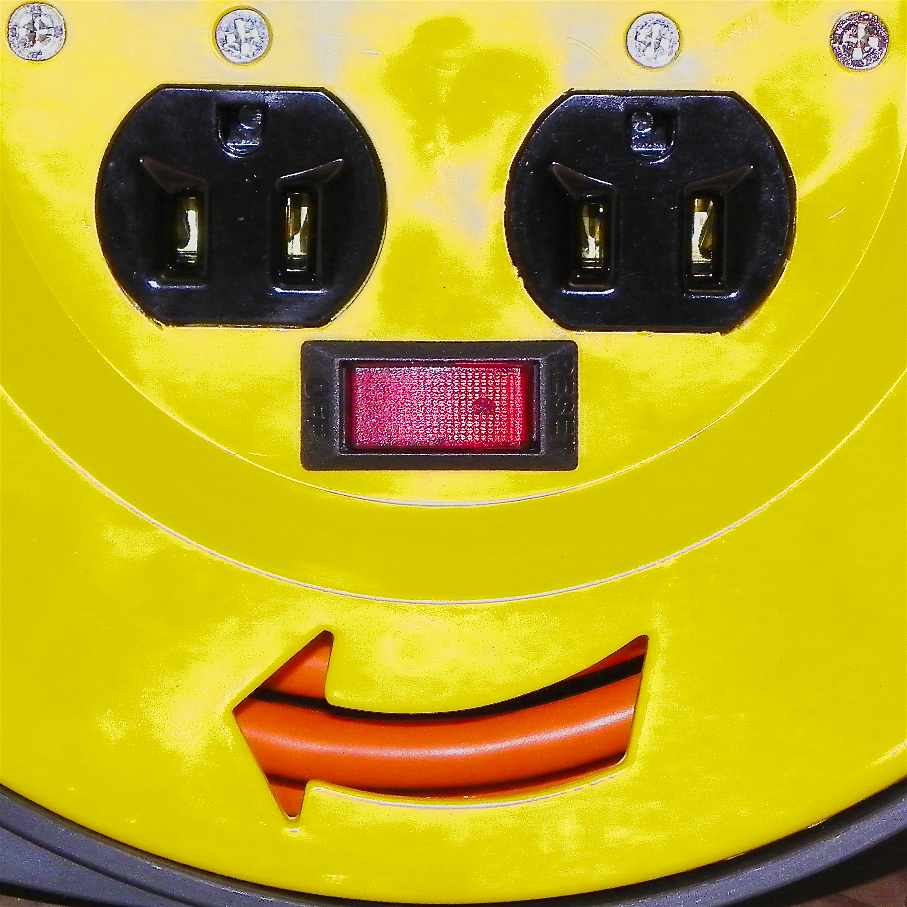 Plug Smiley, v2.jpg