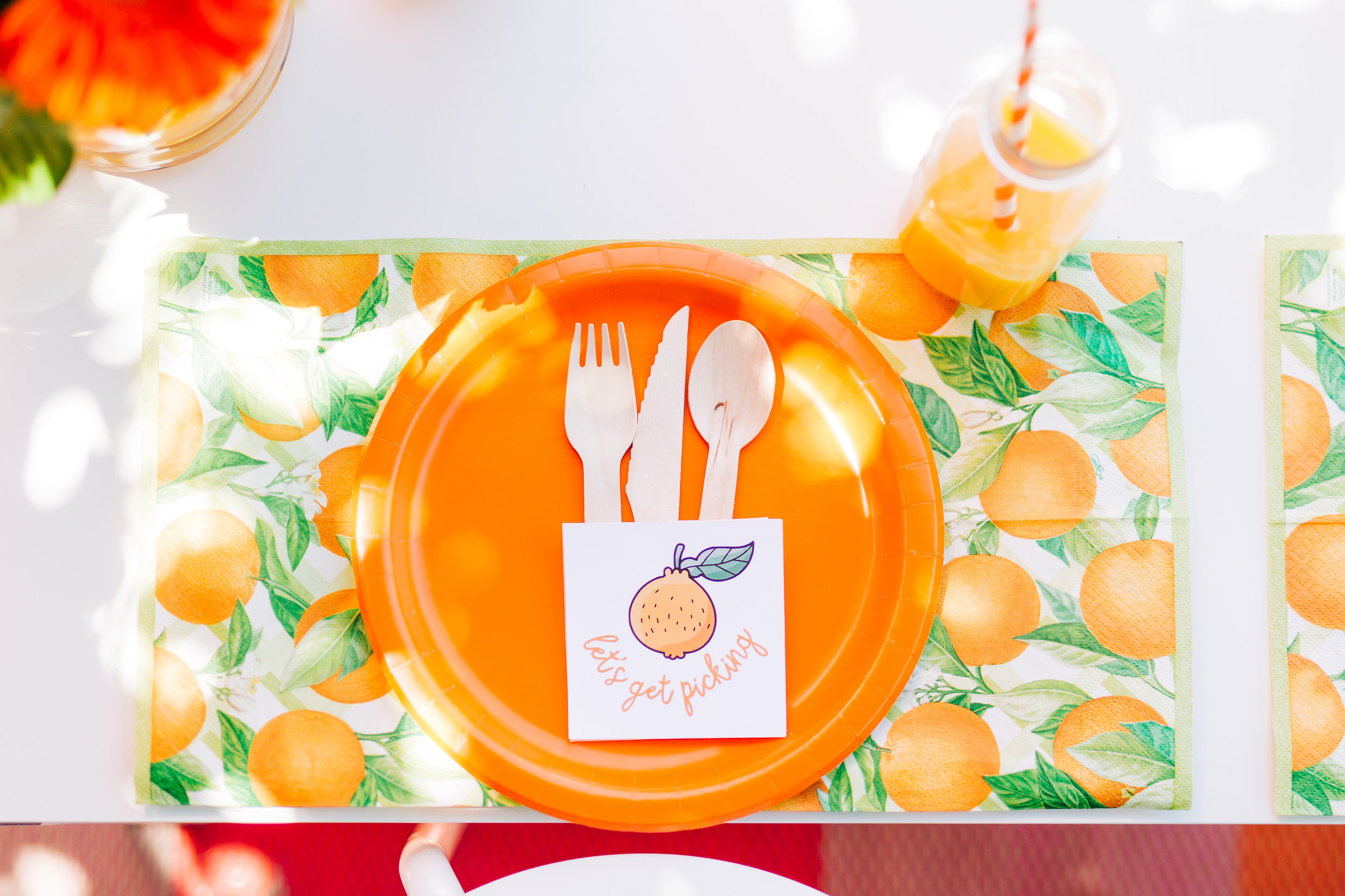 Orange picking party table setting. Citrus birthday party 4.jpg