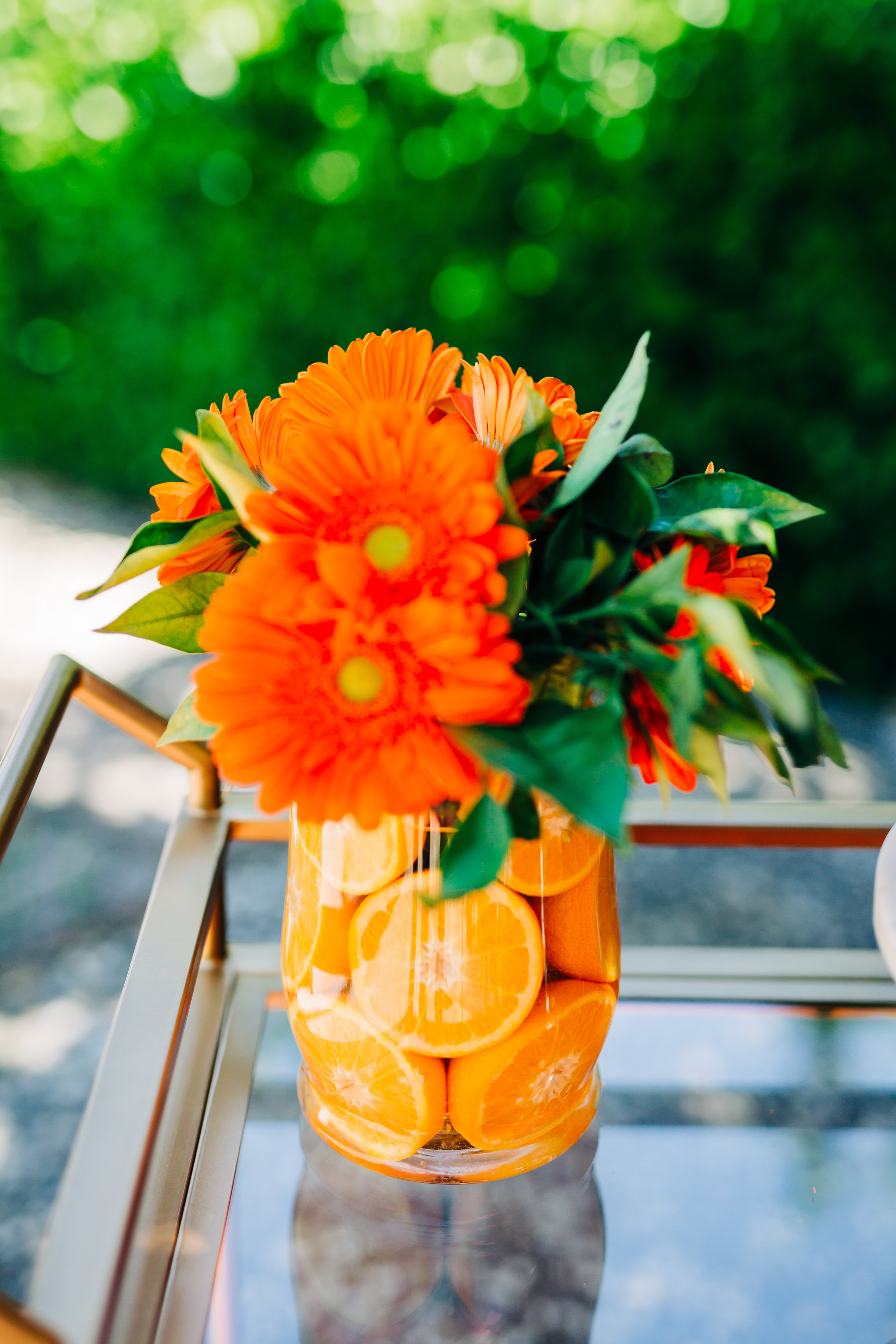 flower arrangement with real oranges from orange tree for orange picking party 1.jpg