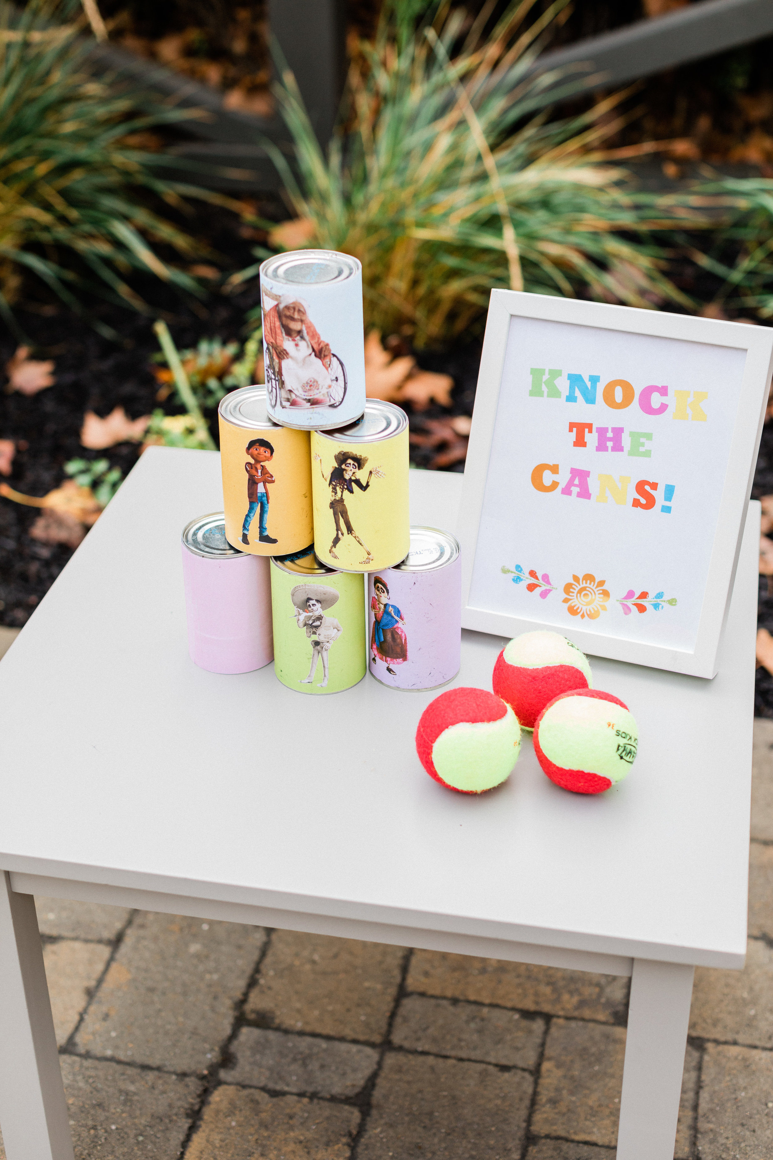 Disney Coco inspired printable signs for your this gorgeous party. Download them for free3.jpg