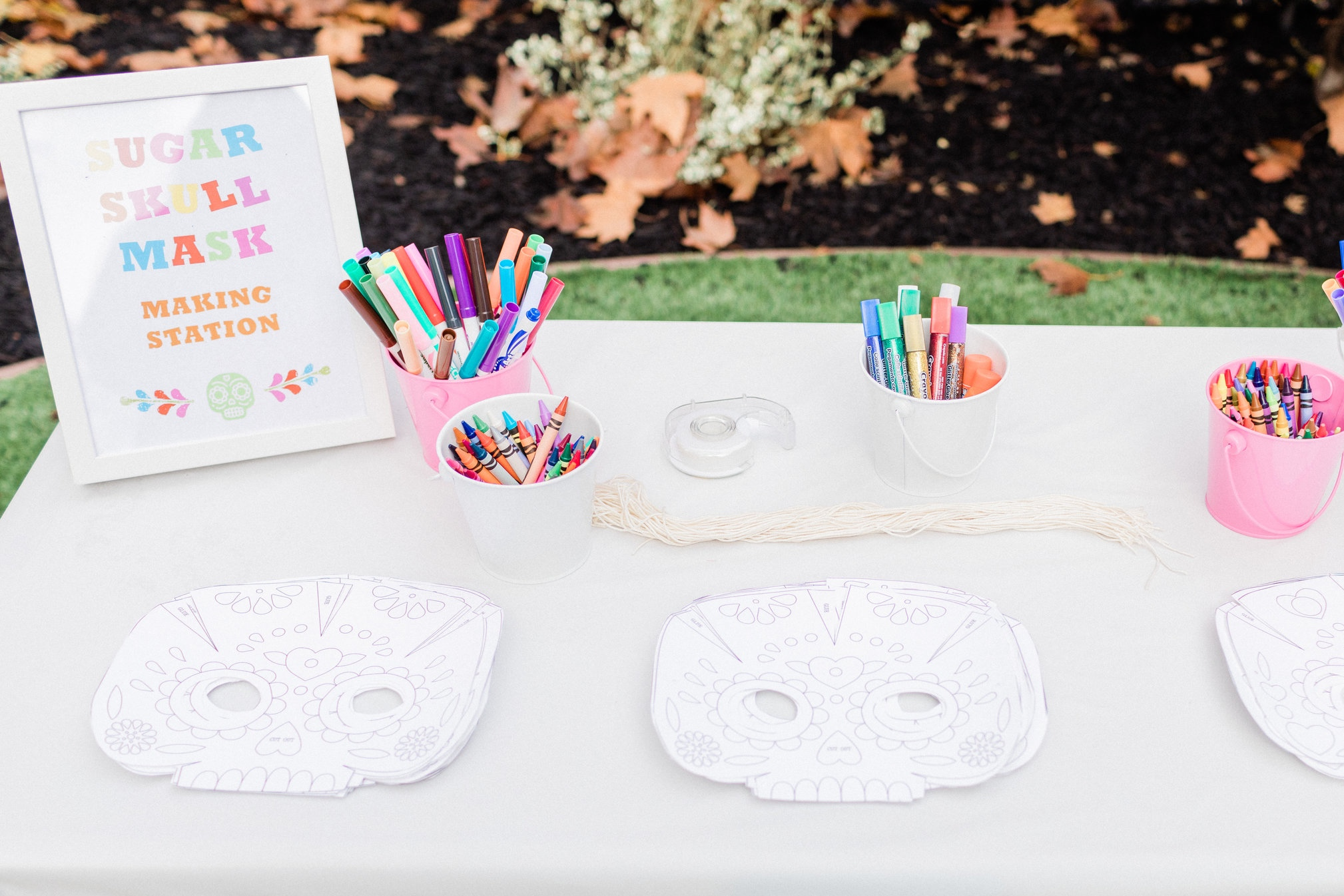 Disney Coco inspired printable signs for your this gorgeous party. Download them for free4.jpg