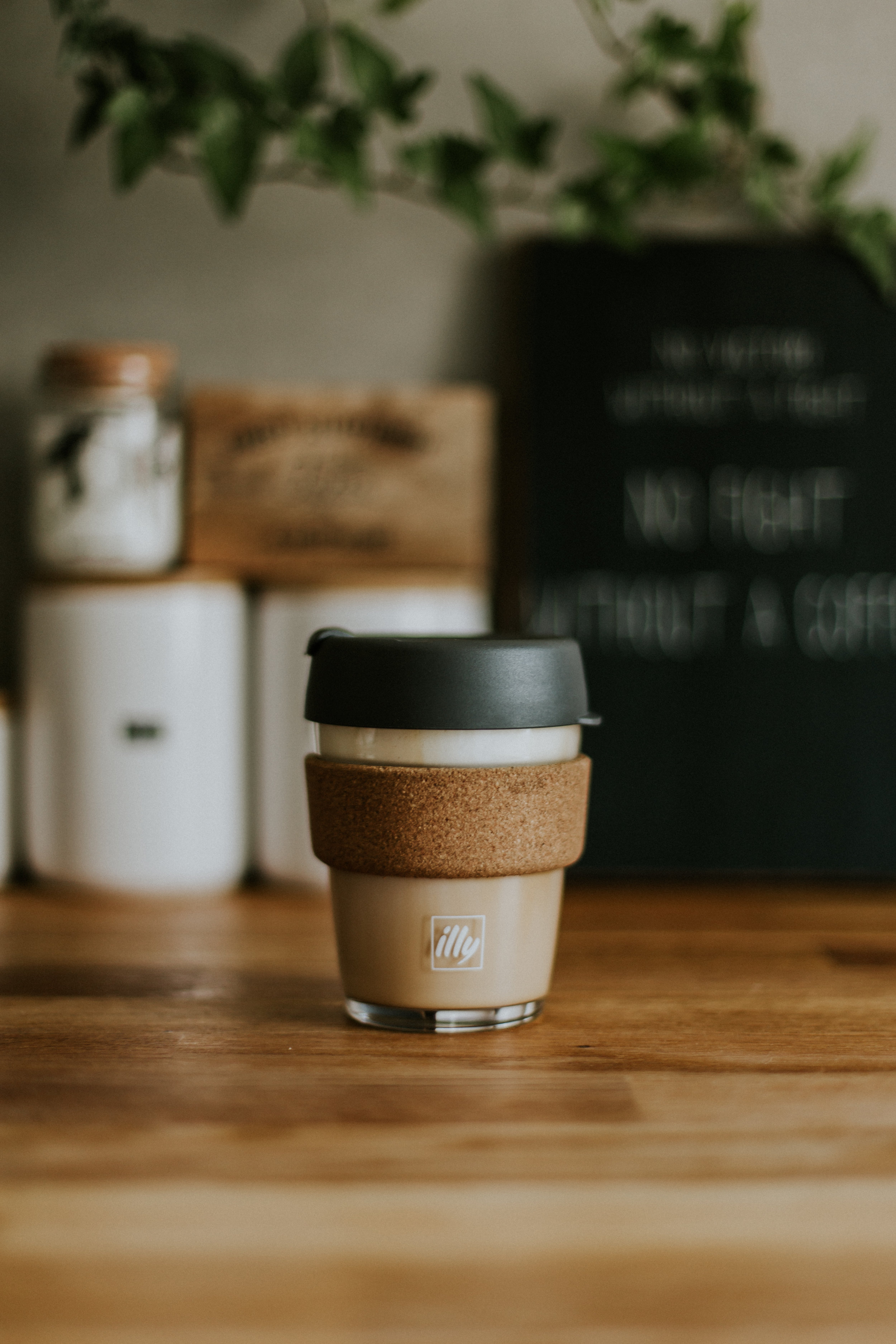 Takeaway coffee cup -