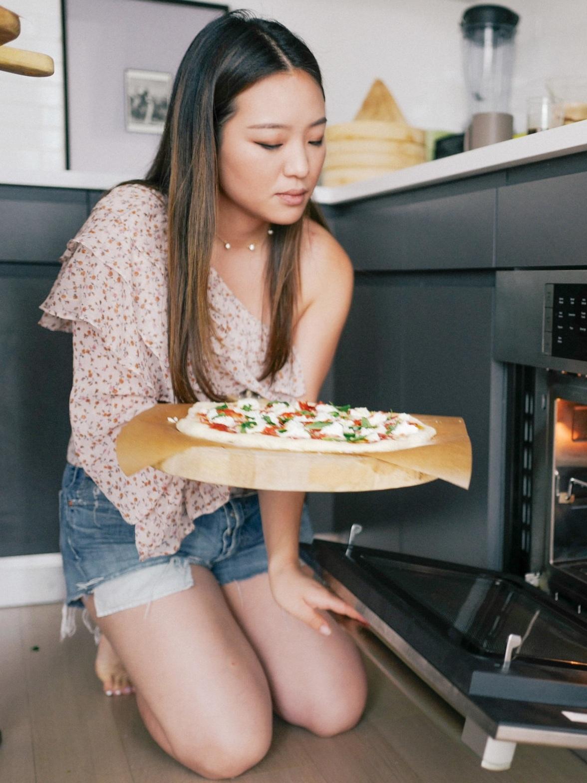 christinehan-dearsaturdays-beestingpizza-10.jpg