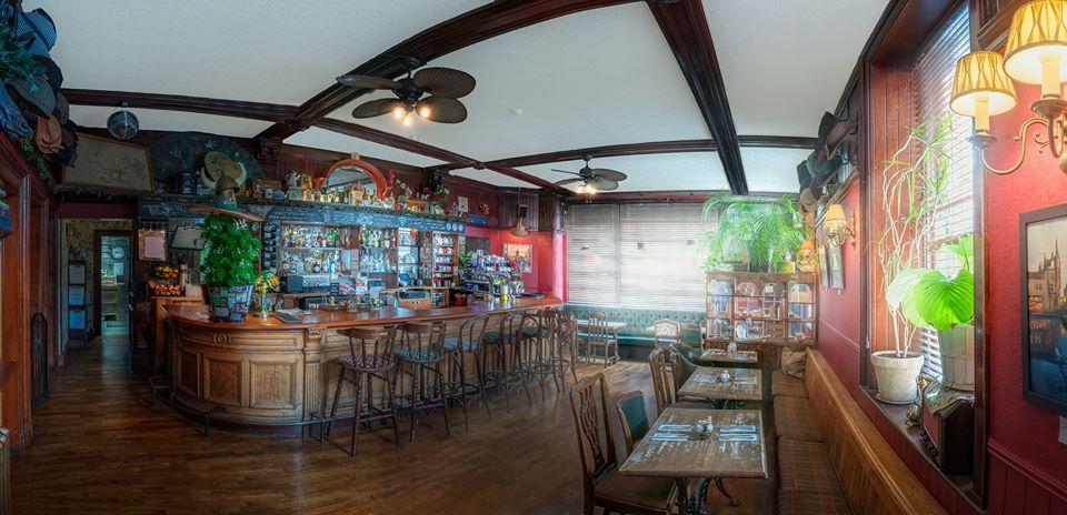 ROSELEAF BAR & CAFE -