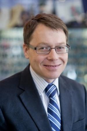 Dr. Thomas Nichols