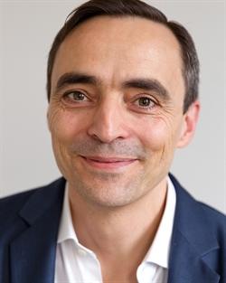 Dr. Guillén Fernández