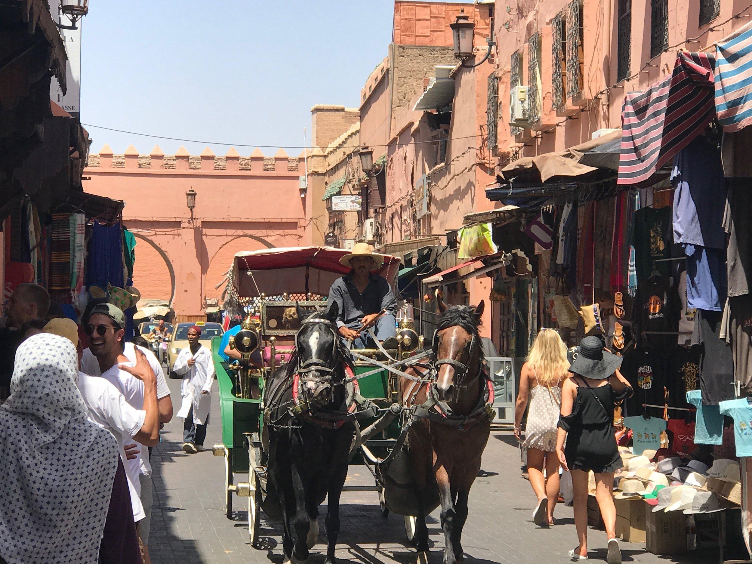 Typisk gadebillede i Kasbah området