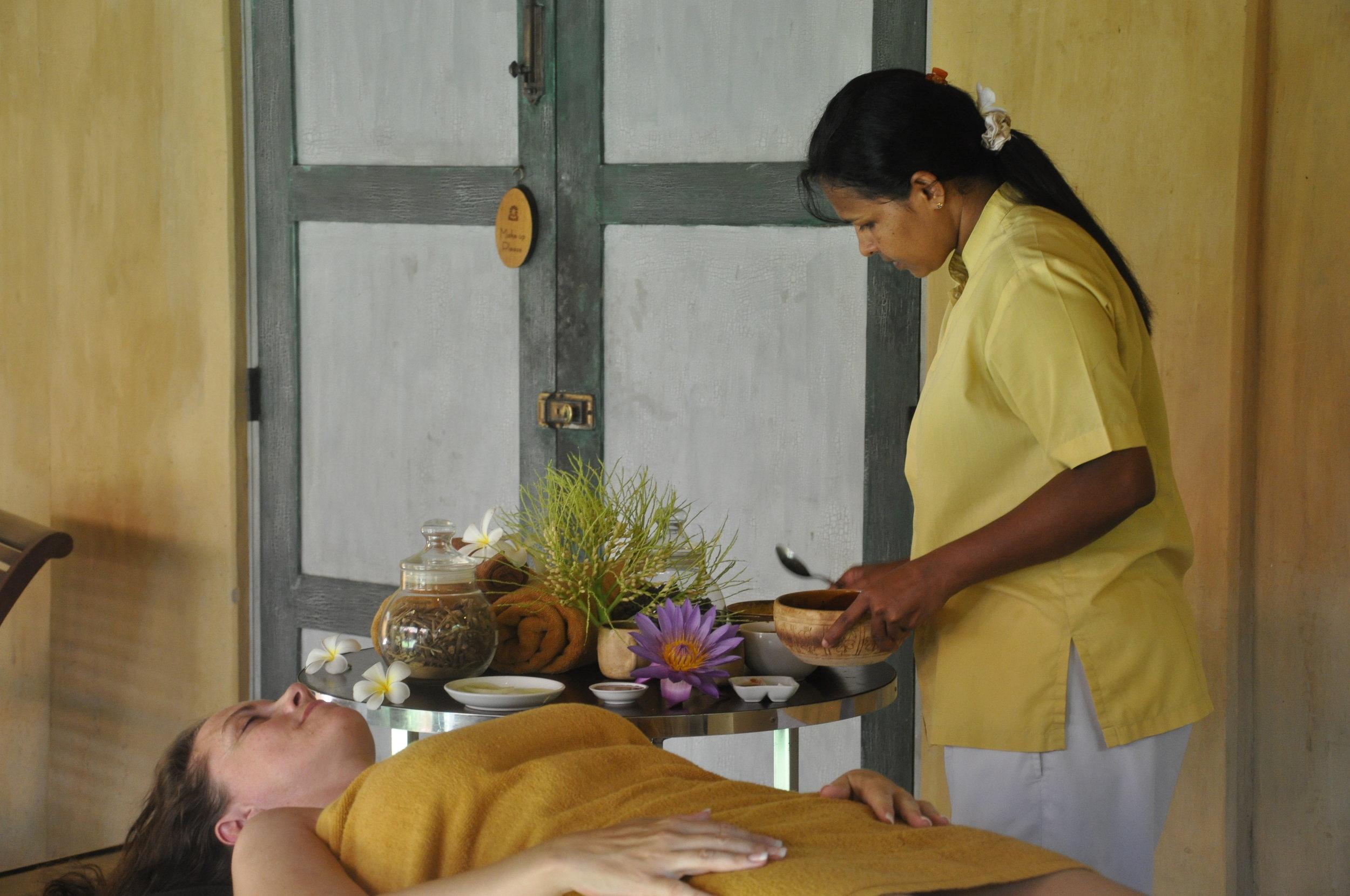 De ayurvedisk behandlinger er det rene nydelse