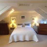 Upper Deck B&B - Britannia House, Turnpike Hill, Marazion, TR17 0BZ01736 711098