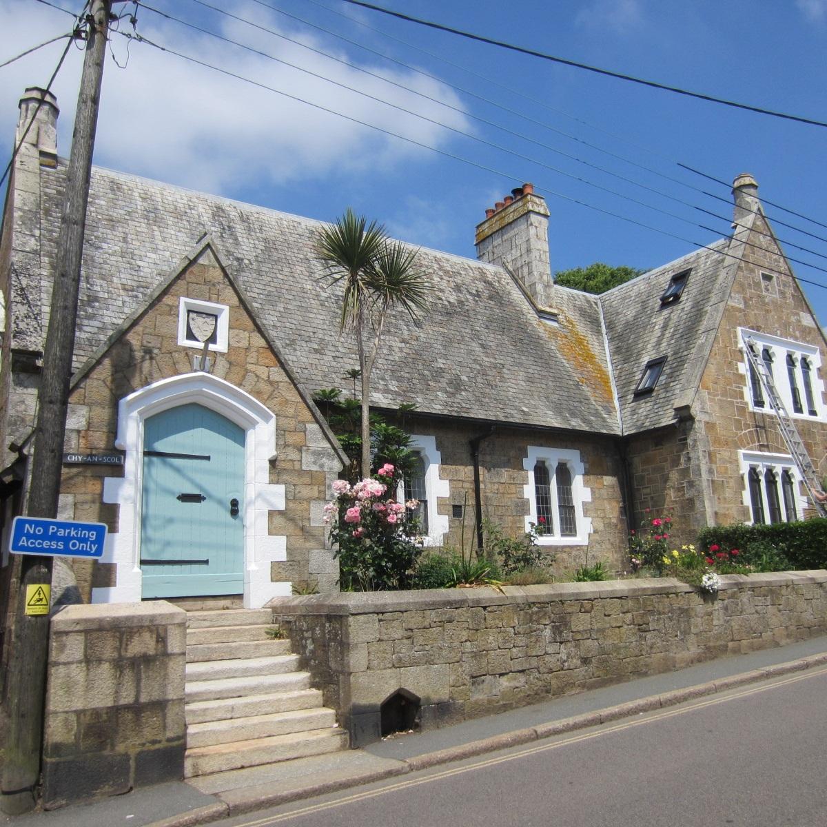 Chy-an-Scol - Turnpike Hill, Marazion, Cornwall, TR17 0BZ01736 710687