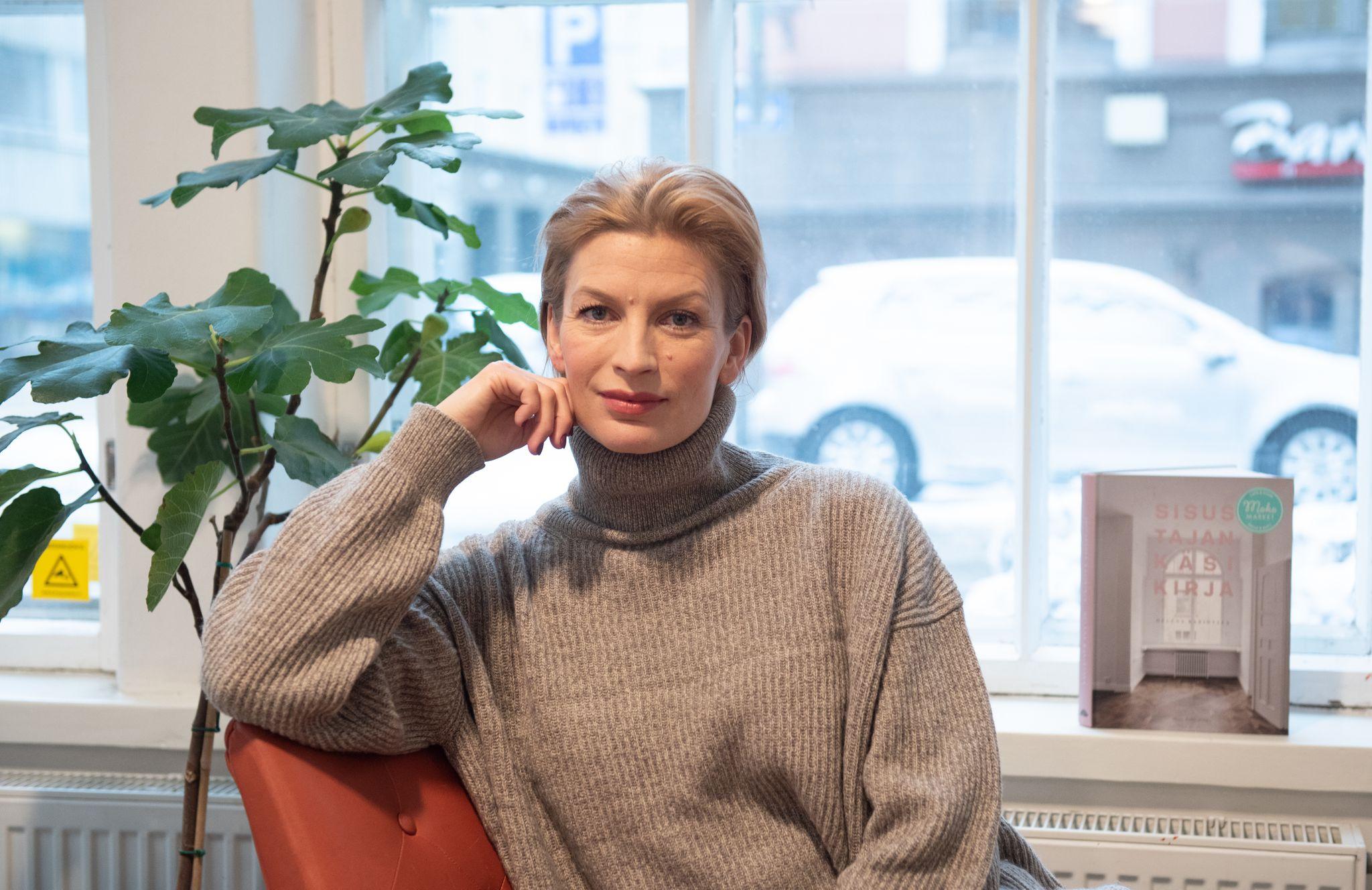 Iltalehti 15.03.2019   Niina Kurkinen-Nyholm kipuili, kun hänen parisuhteensa eivät kestäneet. Hän löysi avun muutokseen, ja samalla ammatti ja siviilisääty menivät uusiksi.   Lue lisää