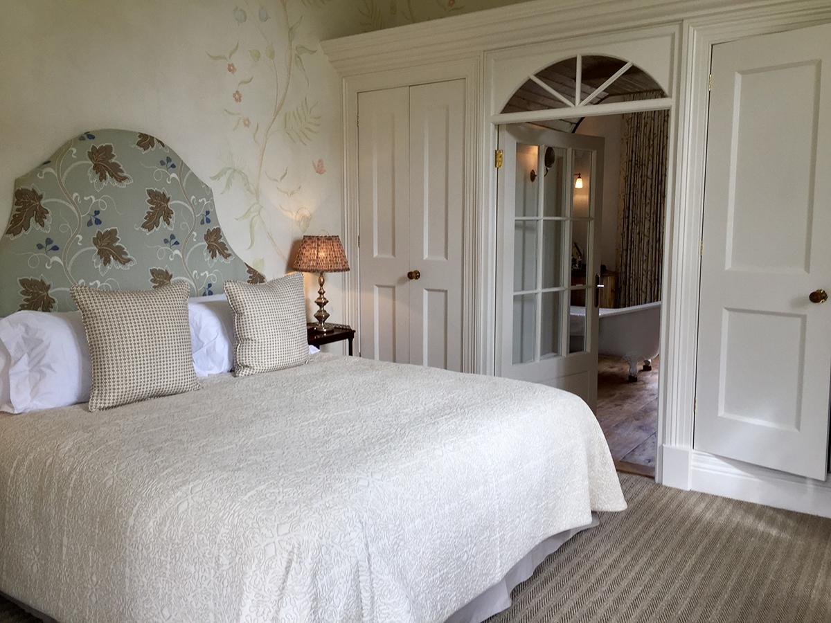 guest bed 7.jpg