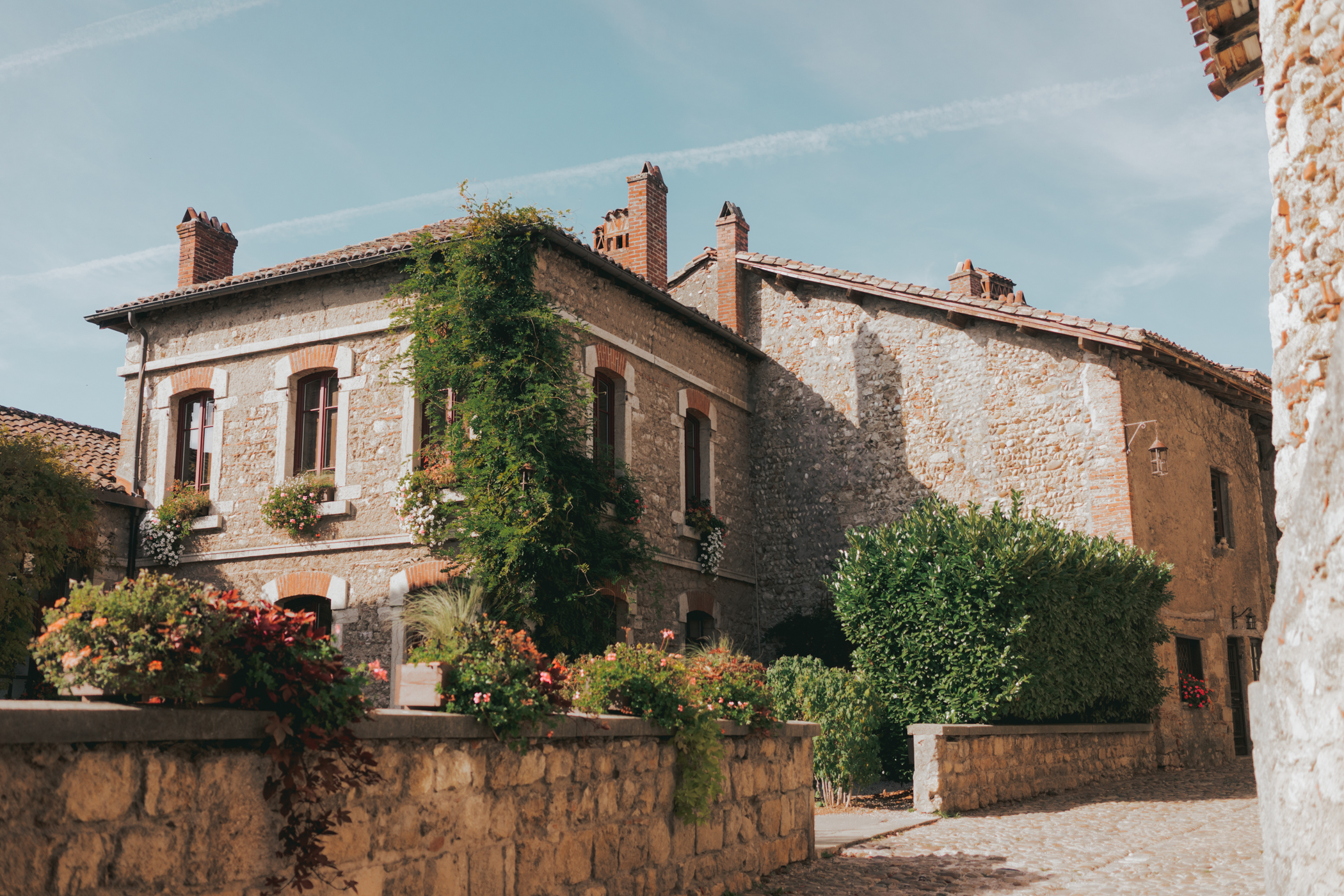 Day trip to Perouges from Lyon - French Medieval Town