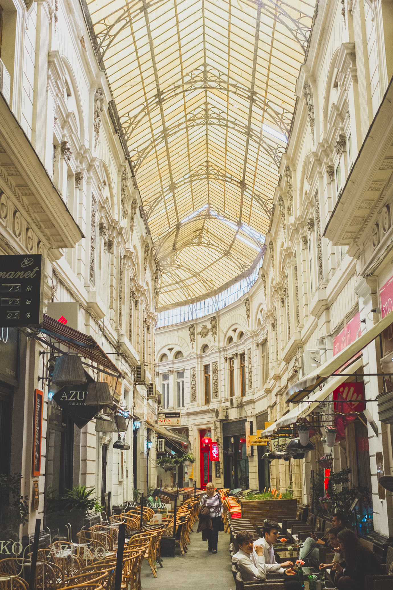 Bucharest Hidden Gems - Your foodie guides to Bucharest - A complete list of all the restaurants, bars, and coffee shop in #Bucharest  #Romania