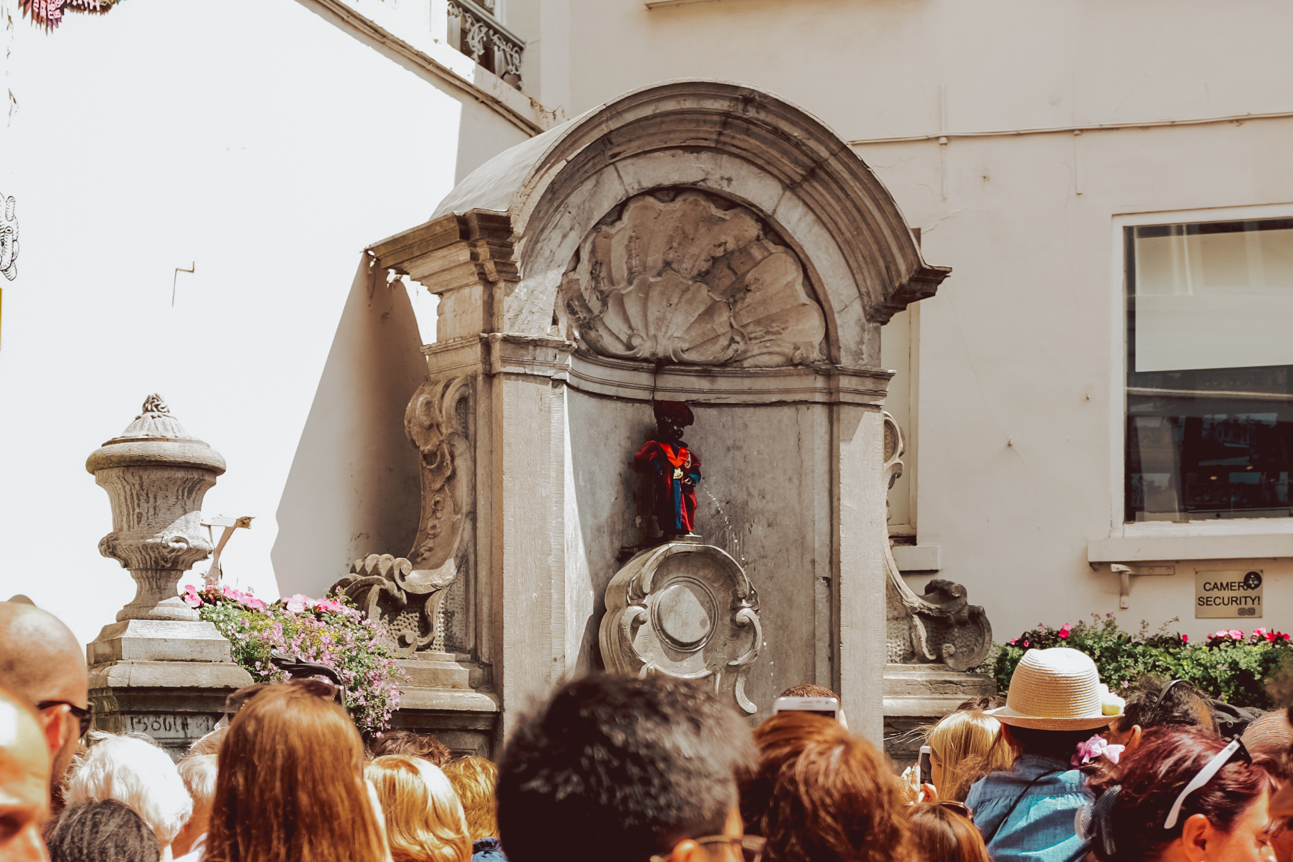 Manneken Pis - One day in Brussels Belgiun - A first timer guide to the Belgium capital