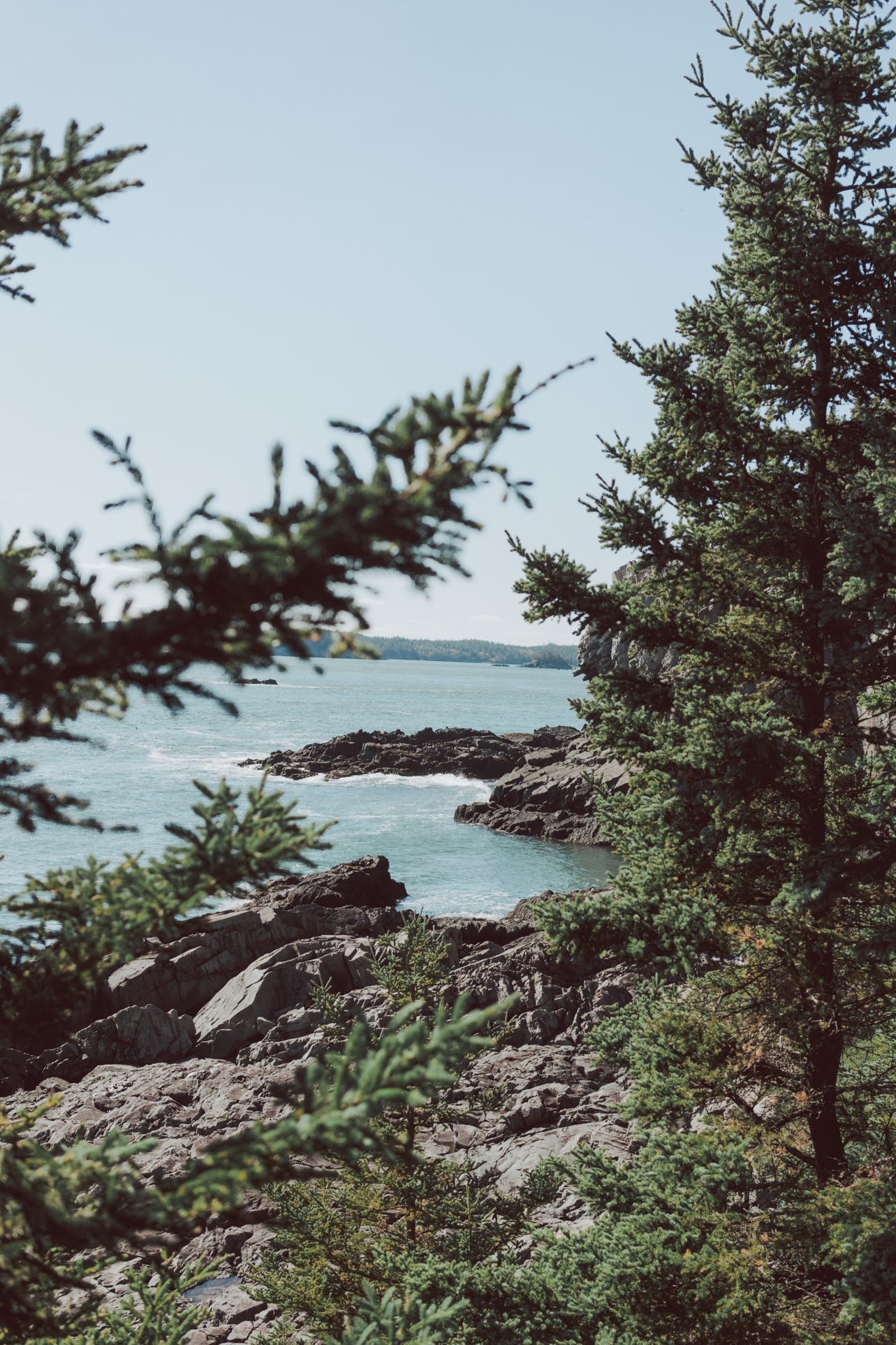 Explore #Maine famous scenic byways on a road trip - where to stay and what to do in Maine