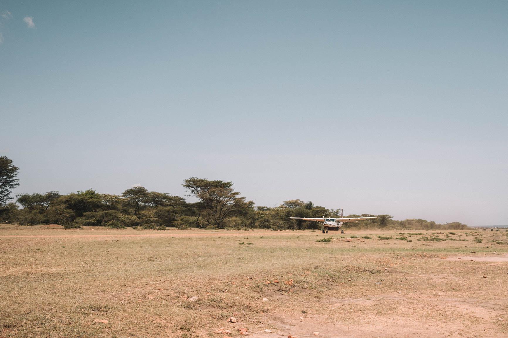 Mara Siana Airstrip - Maasai Mara Kenya Bush plane
