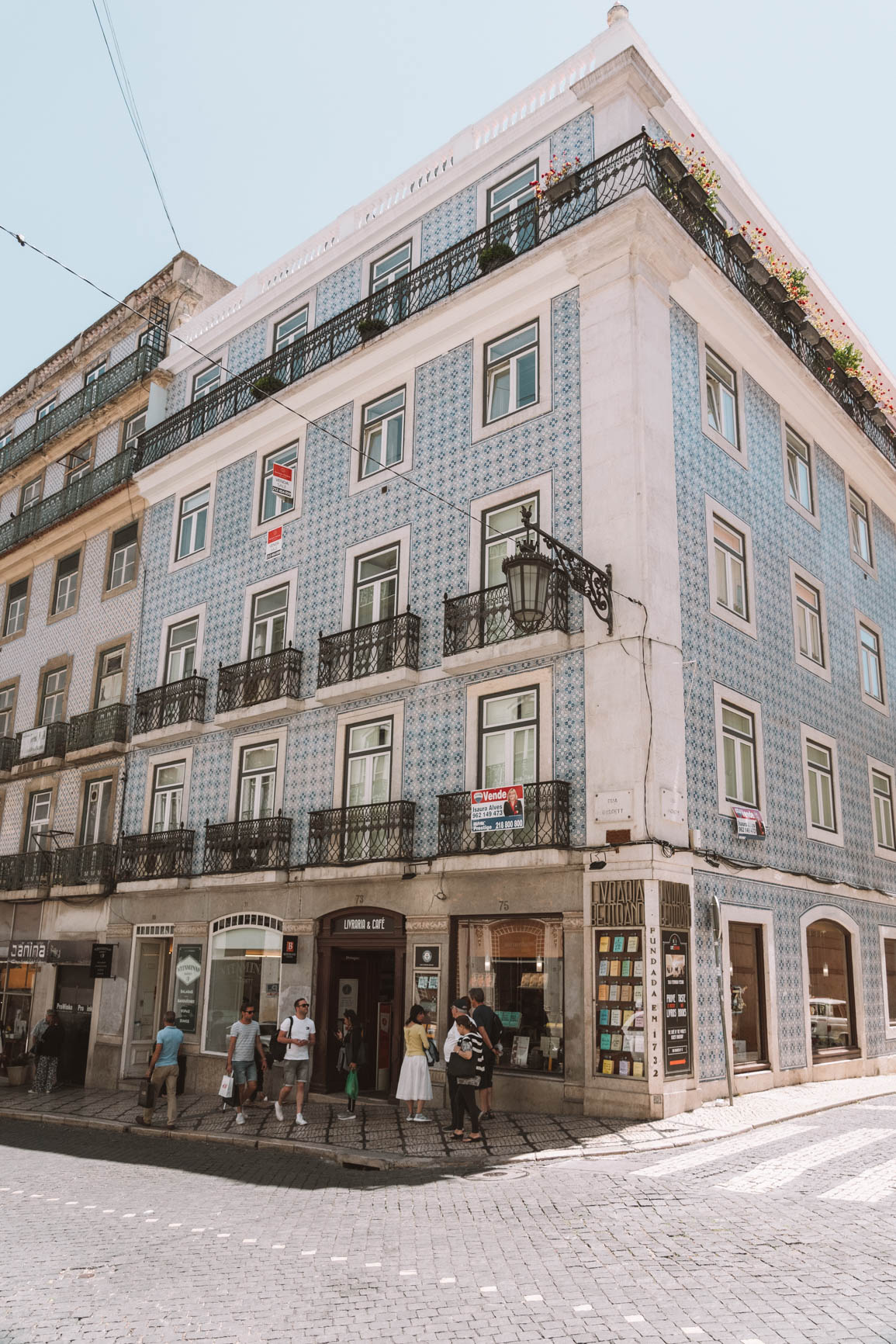 2 -3  Days itinerary - Things to do in Lisbon and your complete guide - Explore Baixa and Chiado #Lisbon #Portugal