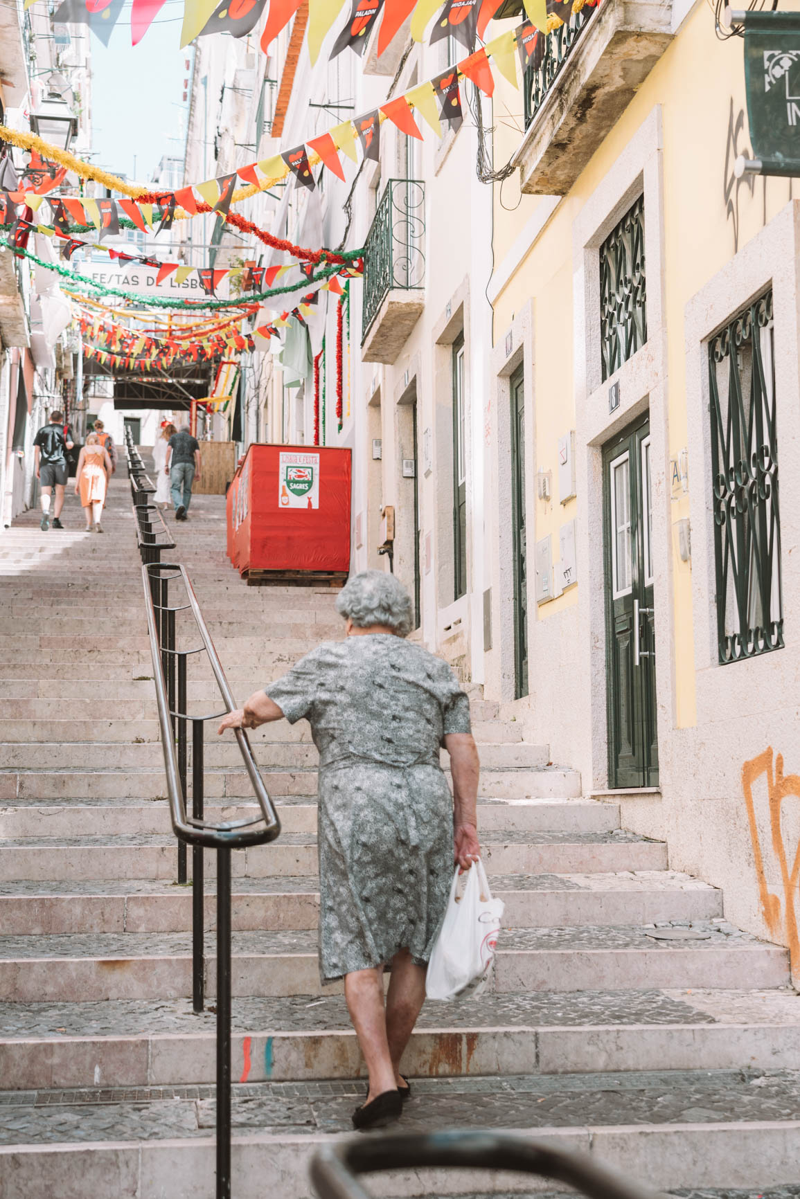 2 -3 Days Itinerary in Lisbon Portugal - Everything you need to know including where to eat, where to stay, and fun things to do in #Lisbon #Portugal