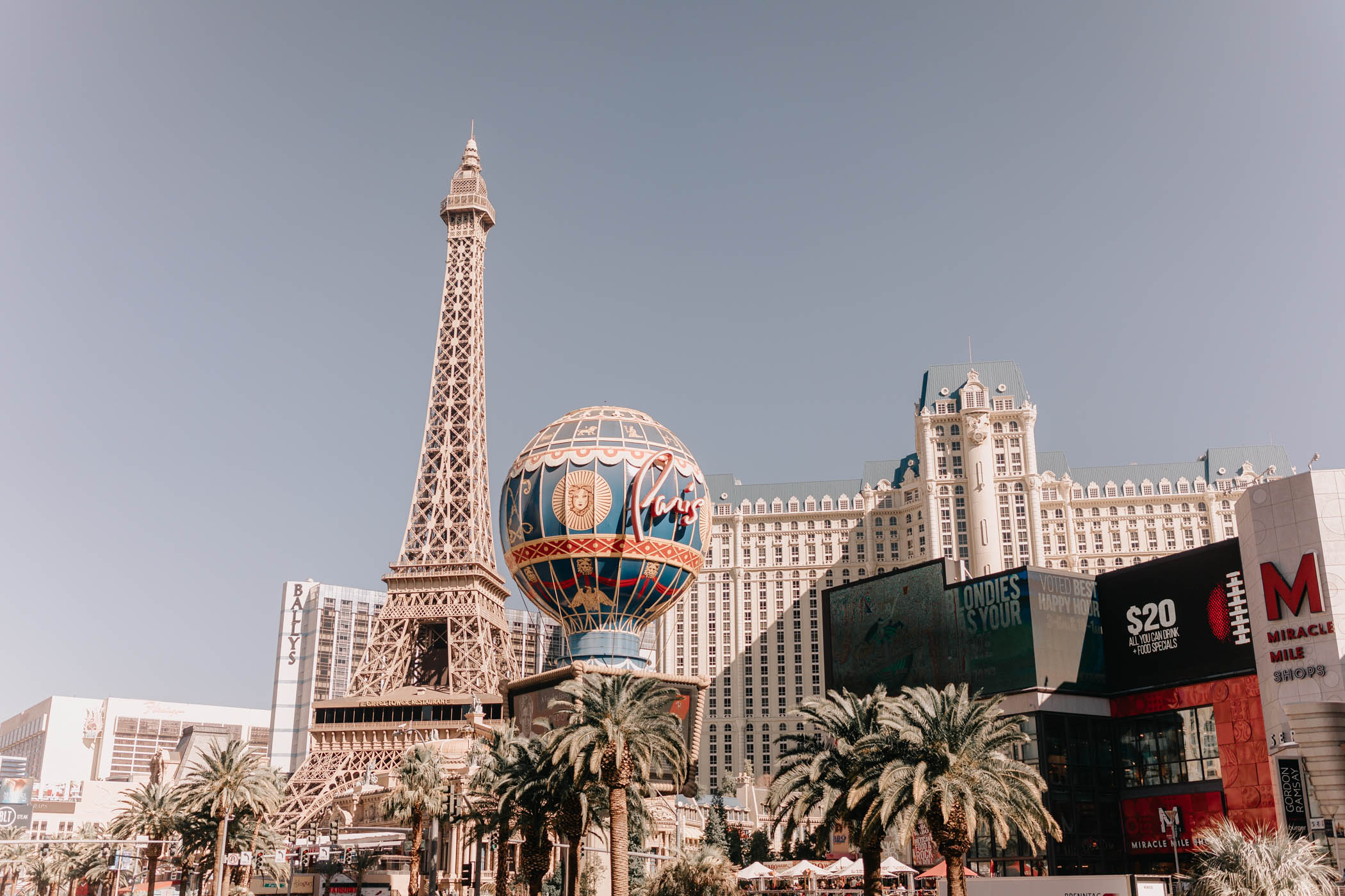 Las Vegas - Fun things to do if you don't gamble or party. Include day trips from Las Vegas, Museums, best shows in Vegas, and more