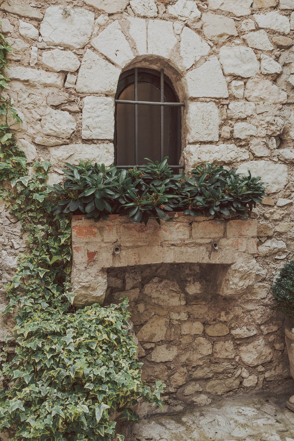 Day Trip To Eze Village South of France Complete Guide. #smallvillage #europeanvillage #frenchvillage