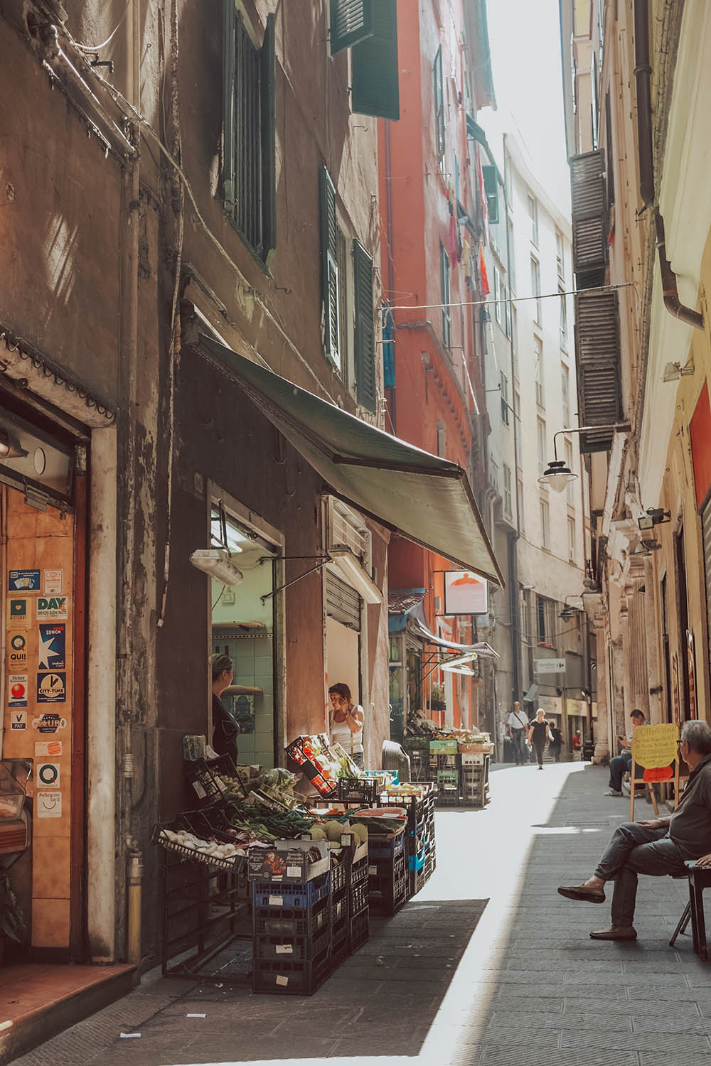 Fun things to do in Genoa - Stroll Via Garibaldi #Italy #Europe