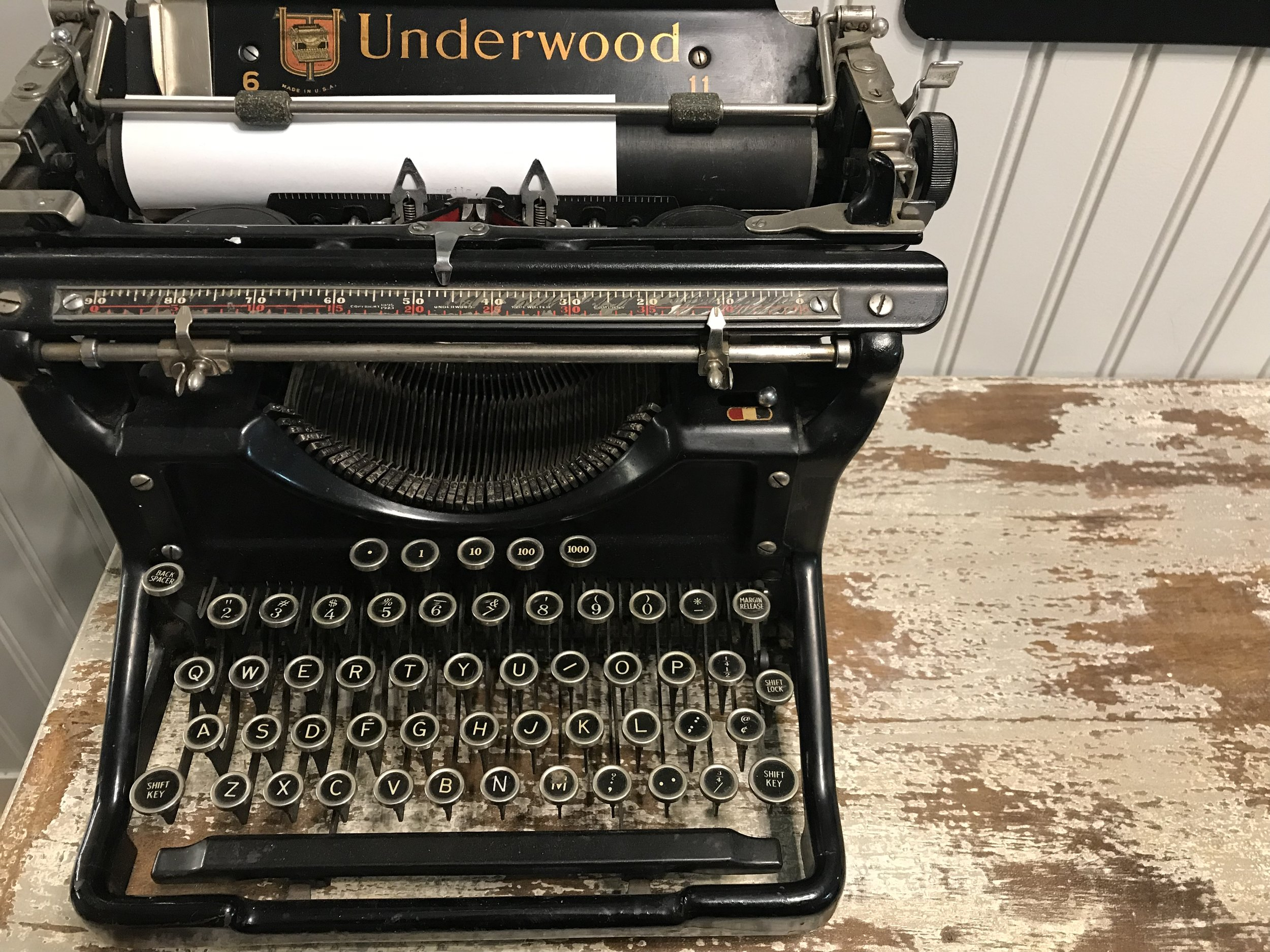 An Underwood typewriter, circa somewhere in the early 1900s.