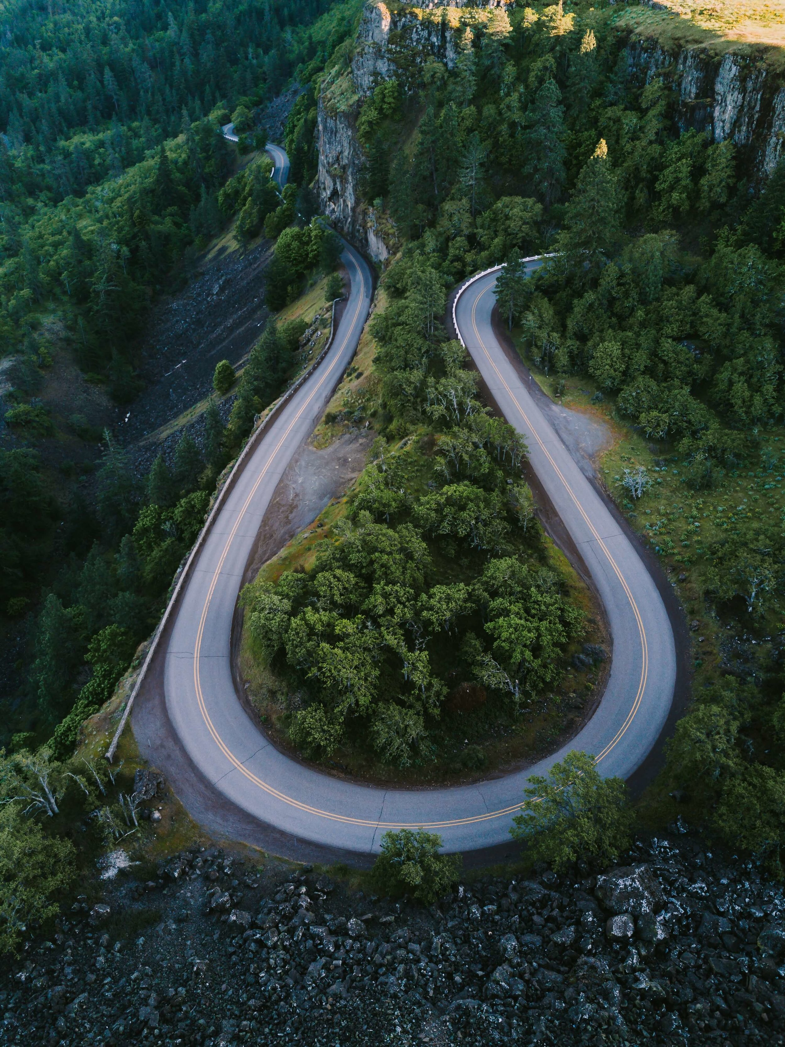 Road changes direction, u turn