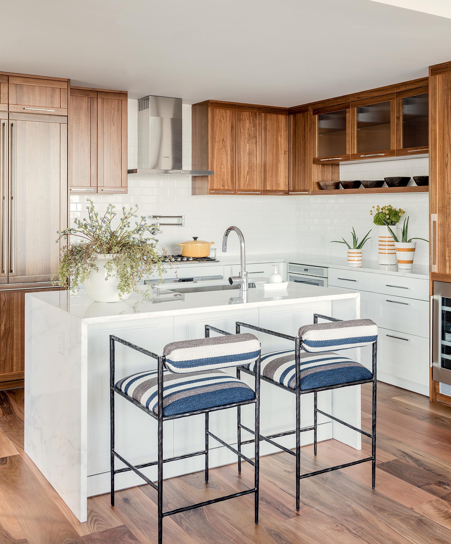 pier-4-model-kitchen-island-hudson-interior-designs.jpg