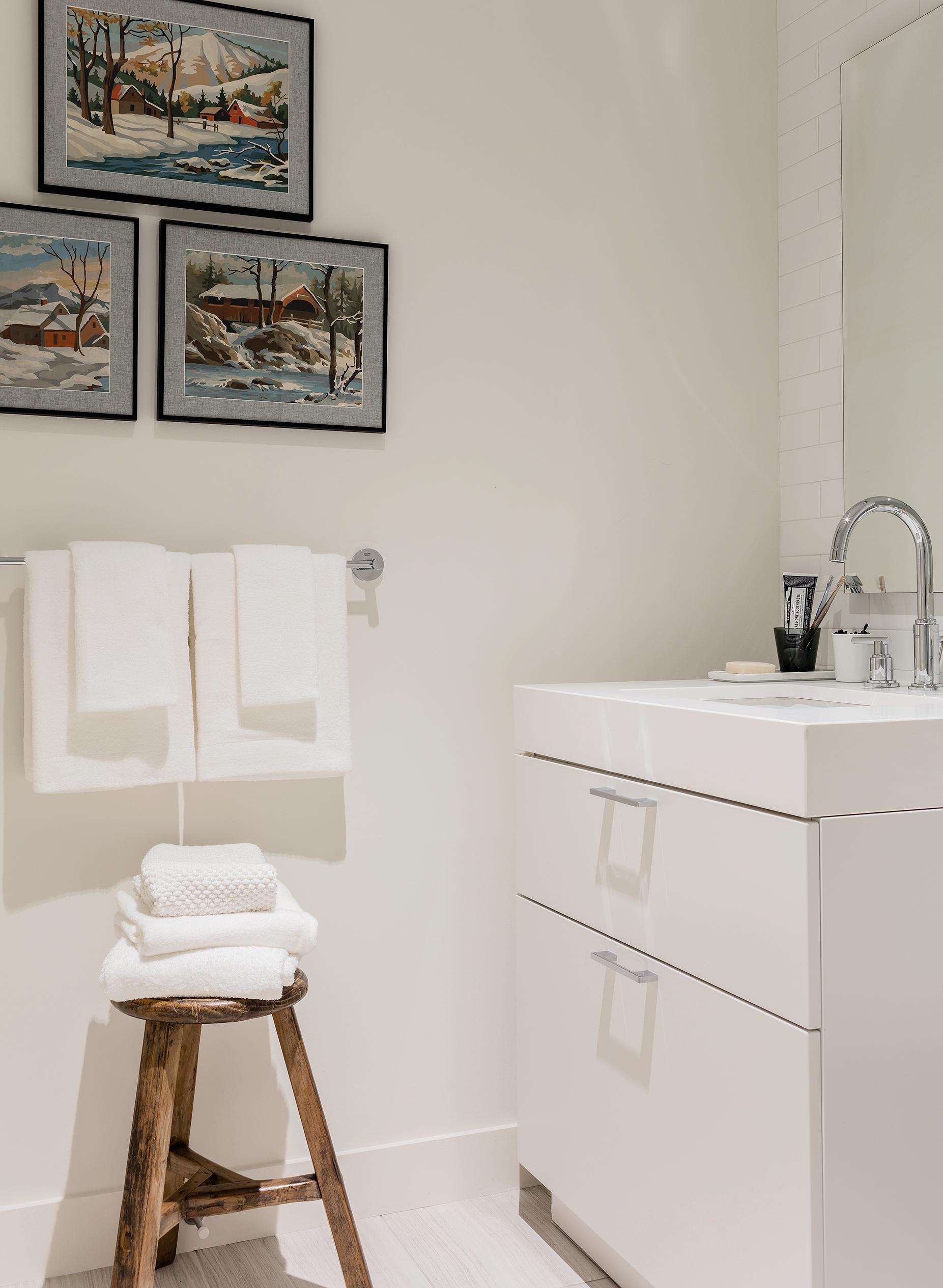 pier-4-model-guest-bathroom-hudson-interior-designs.jpg