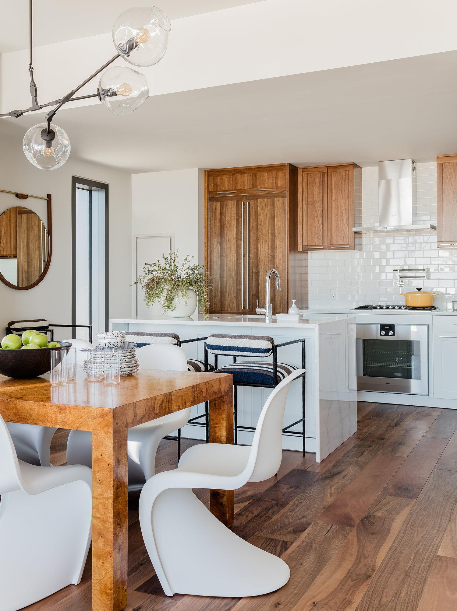 pier-4-model-kitchen-view-hudson-interior-designs.jpg