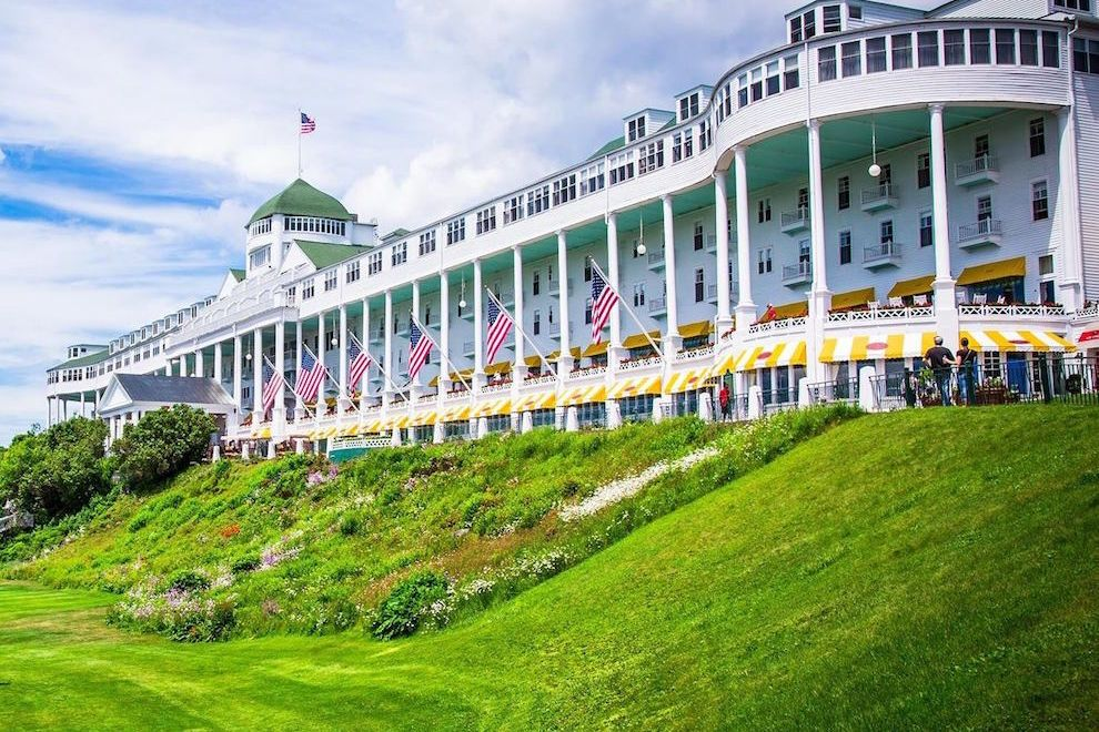Image source: https://www.10best.com/interests/hotels-resorts/a-grand-escape-awaits-at-the-grand-hotel-on-mackinac-island/