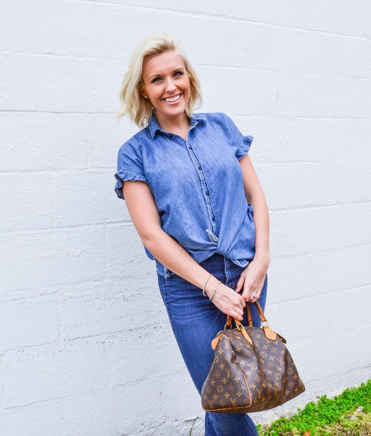 OUTFIT DEETS:  Top  |  Jeans   Photography:  Lydia Stubbs