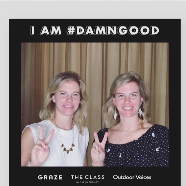 Peace ✌🏻 @grazechicago @outdoorvoices @theclass  #iamdamngood #grazechicago #outdoorvoices #theclassbytaryntoomey