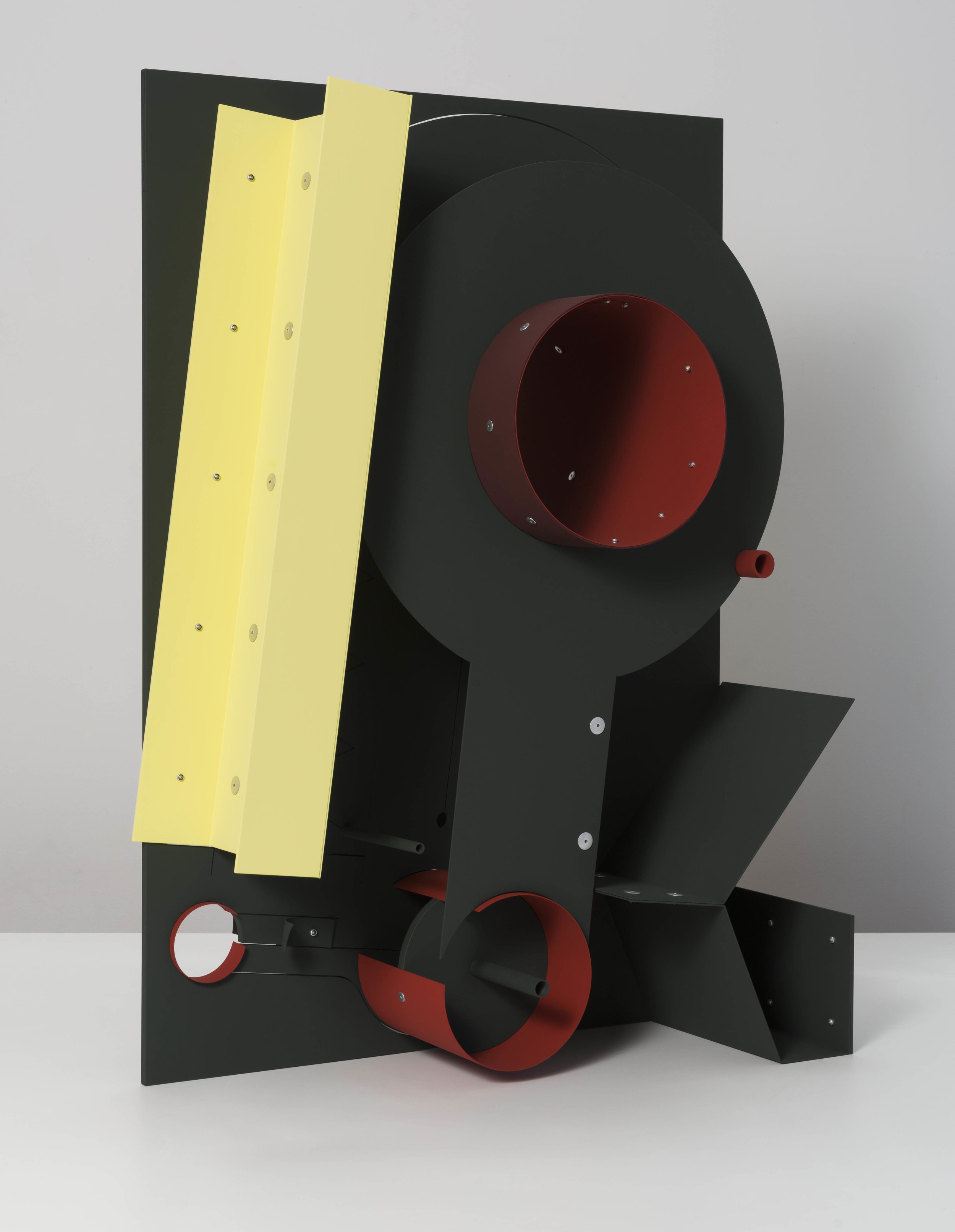 Matt Paweski,  Look out , 2019, aluminum, aluminum rivets, vinyl paint, 36 × 24 ½ × 18 inches (91.4 × 62.2 × 45.7 cm)