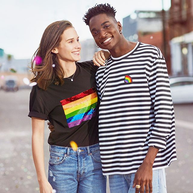 Stay true, stay you! 🌈 The new #HMPride collection celebrates you and love! 💖For every item purchased from the collection, 10% of sales will be donated to @free.equal campaign!  #HM #roamingrosemary #rosemarysquarewpb #pridemonth
