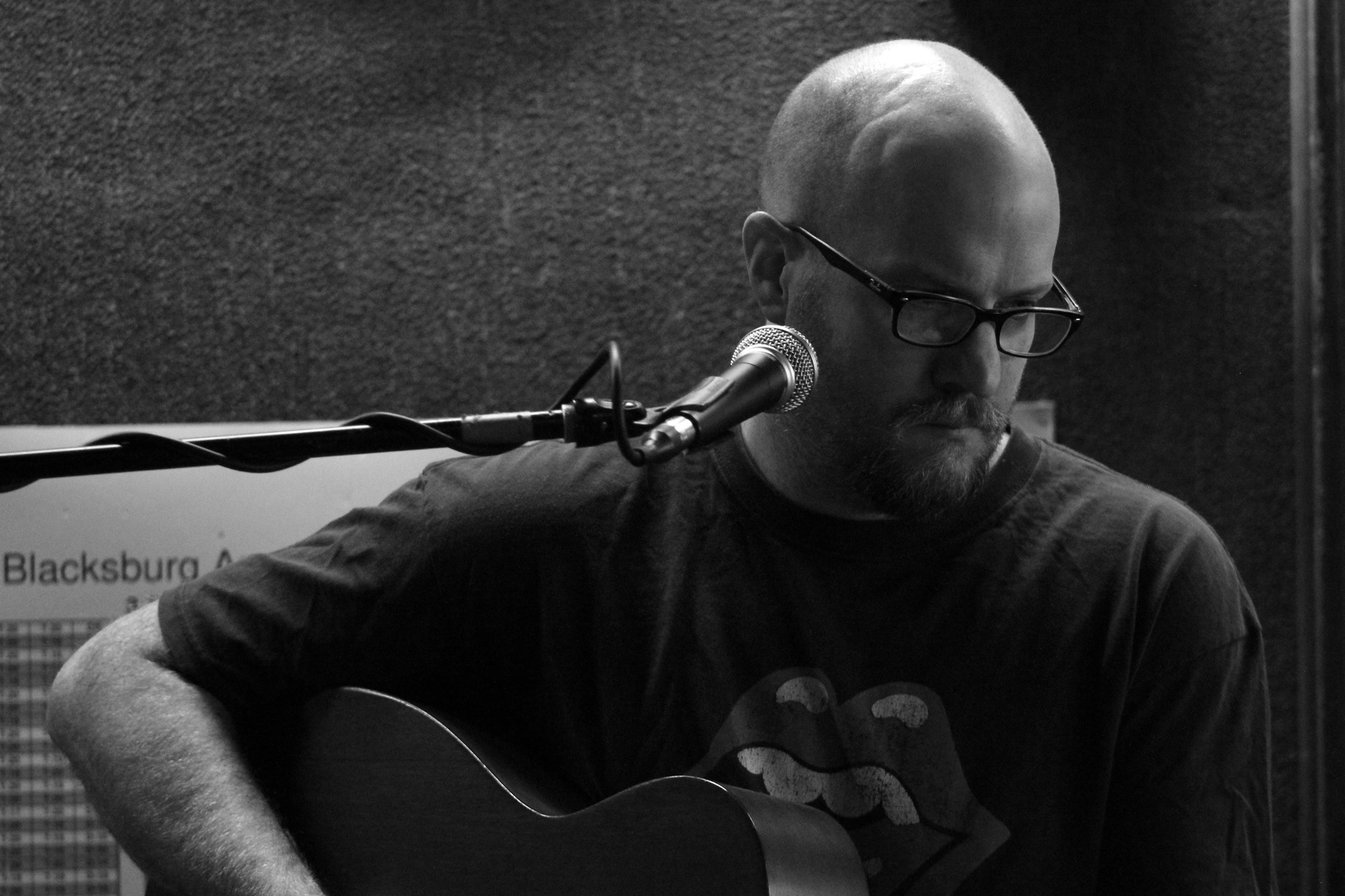 Singer/songwriter currently residing in Blacksburg, VA, originally from Houston, TX. Americana, Blues, Folk, and Rock; originals and extensive covers.