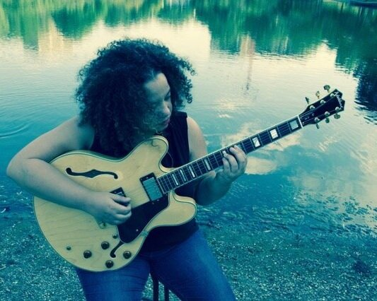Jamgirl Bliss - Professional Creative Muse, Guitarist and Musician