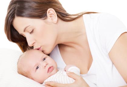 Fotolia_woman_mother_baby.jpg