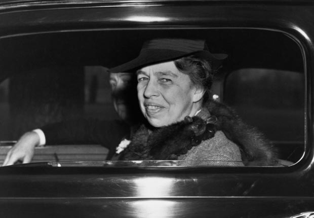 Eleanor-Roosevelt-smiles-out-at-photographers-from-a-White-House-limousine.-FDRL1.jpg