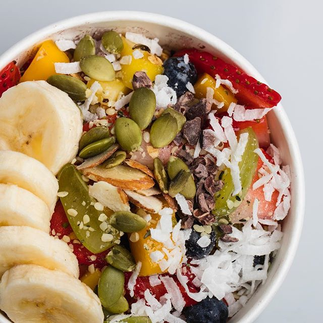 Out of lunch ideas? Have a r3freshing Acai bowl! • • • • • #instafood #yum #acai #superfood #r3freshjuicebar #eat #healthybreakfast #food #acailife #feelgoodfood #acaibowl #lunch #love #sharefood #clean #socalliving #delicious #eating #foodpic #foodpics #lifestylegoals #hungry #convoystreet #sandiego #beachvibes #lookgoodfeelgood #photooftheday #fresh