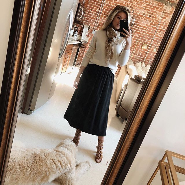 Today's look with one new and lots of old favorites— and my trusty sidekick! 🐶 //The best part of really taking the time to curate the pieces I bring into my closet is that even when the seasons change, I know I still will want to wear the seasonal things that I have from the prior year(s). I think I've had these @marc.fisher sandals for four years... and I bought this silk scarf for myself after graduating college, which, sadly, is six years ago now!