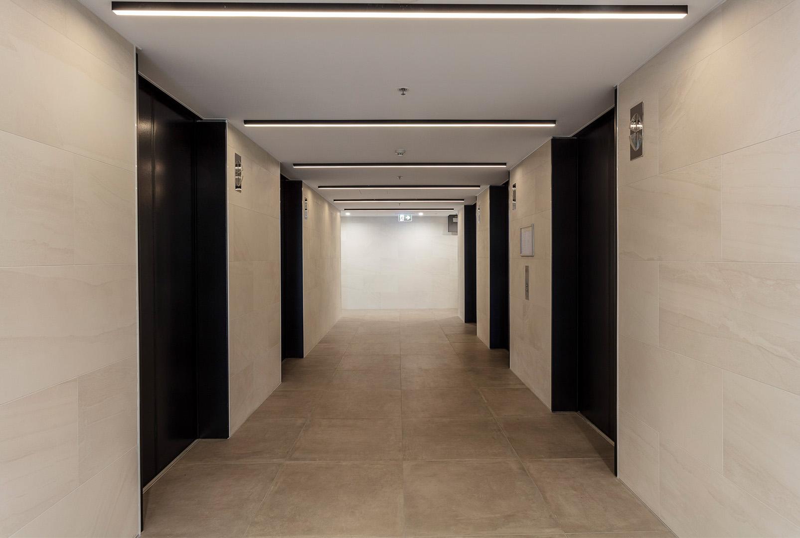 Archway - Quartile 1 - Lobby.jpg