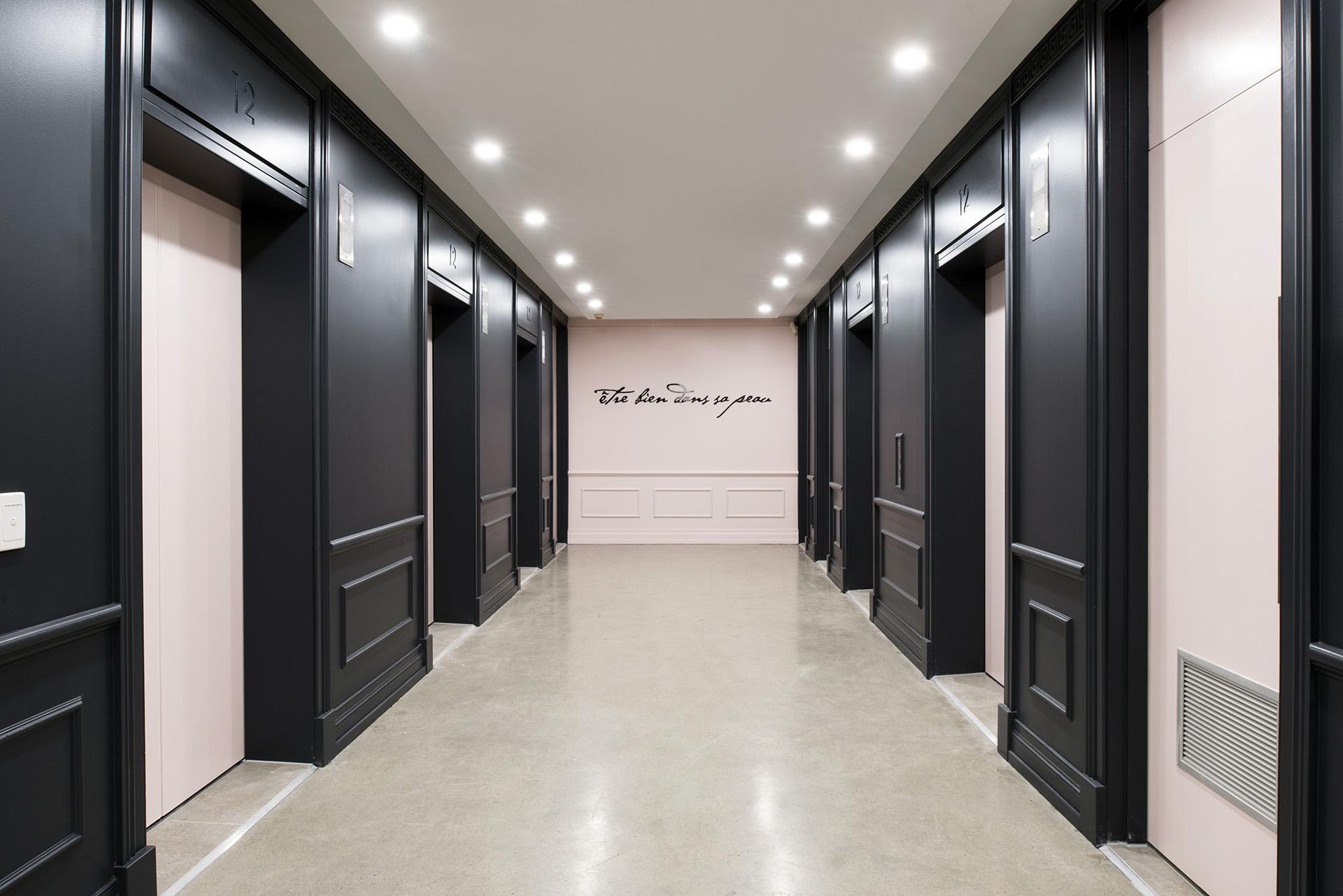Archway-French Office Design Brisbane- Lift Lobby.jpg
