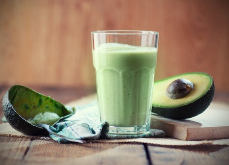 avocado smoothie green drink protein shake healthy eating crunches then cocktails justine moore sloan
