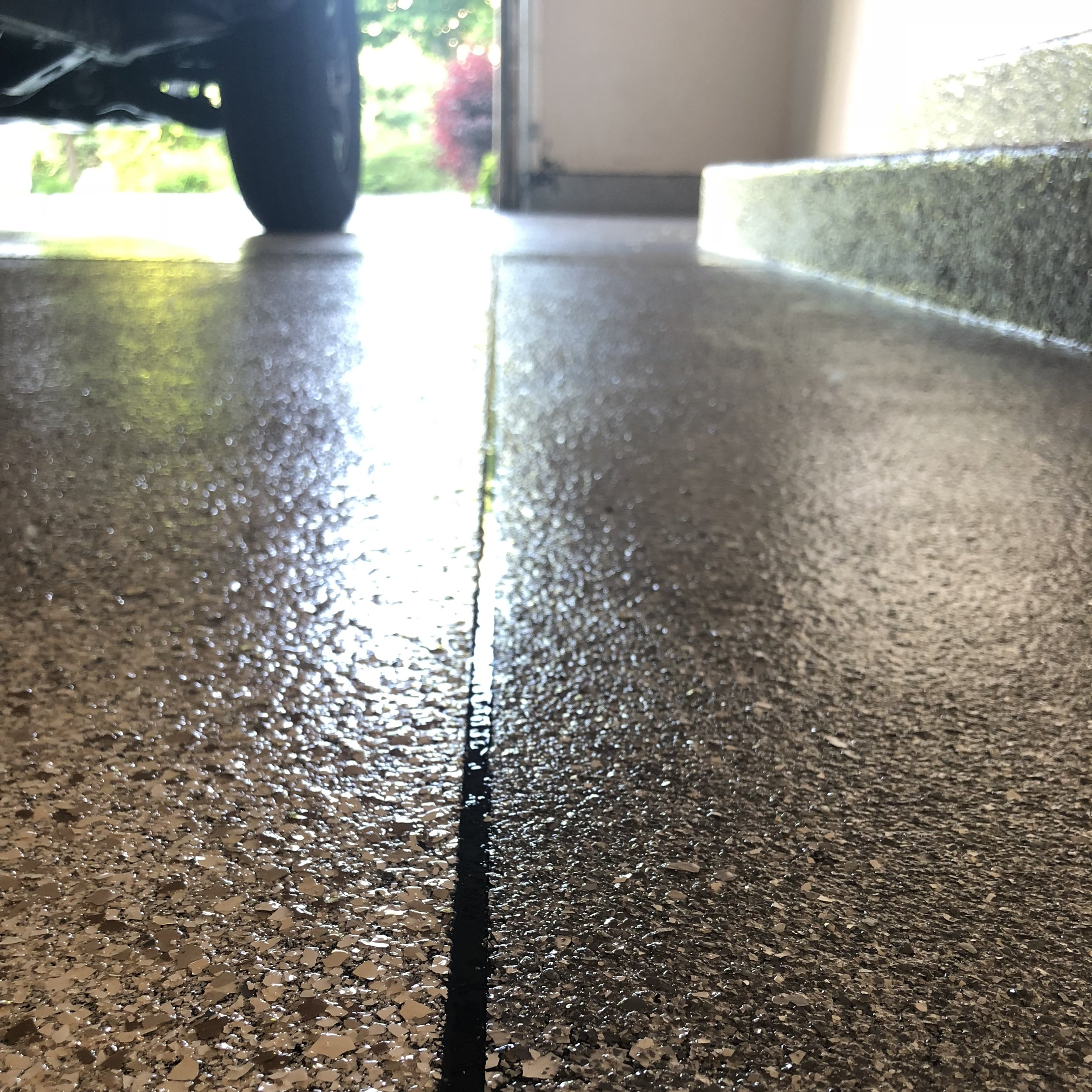 DURABILITY - Epoxy floors can withstand heat, heavy objects, and just about anything else you throw at it. This rigid material will astound you with the strength it brings.